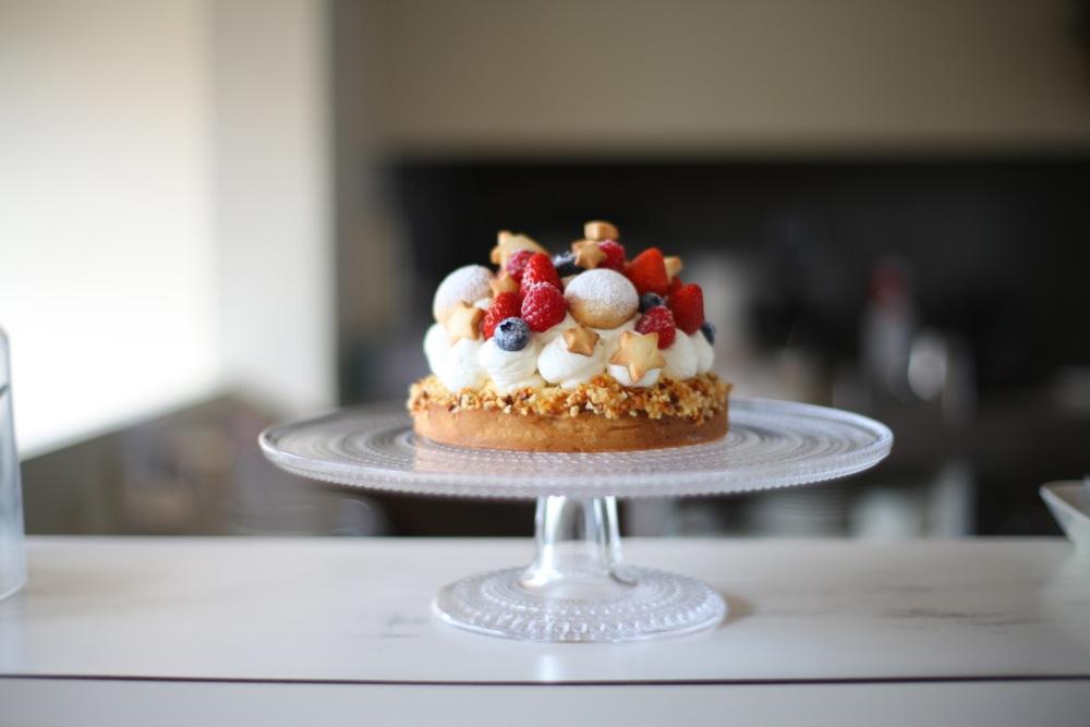 クリスマスケーキ予約受付中と12月のケーキが作れる日。
