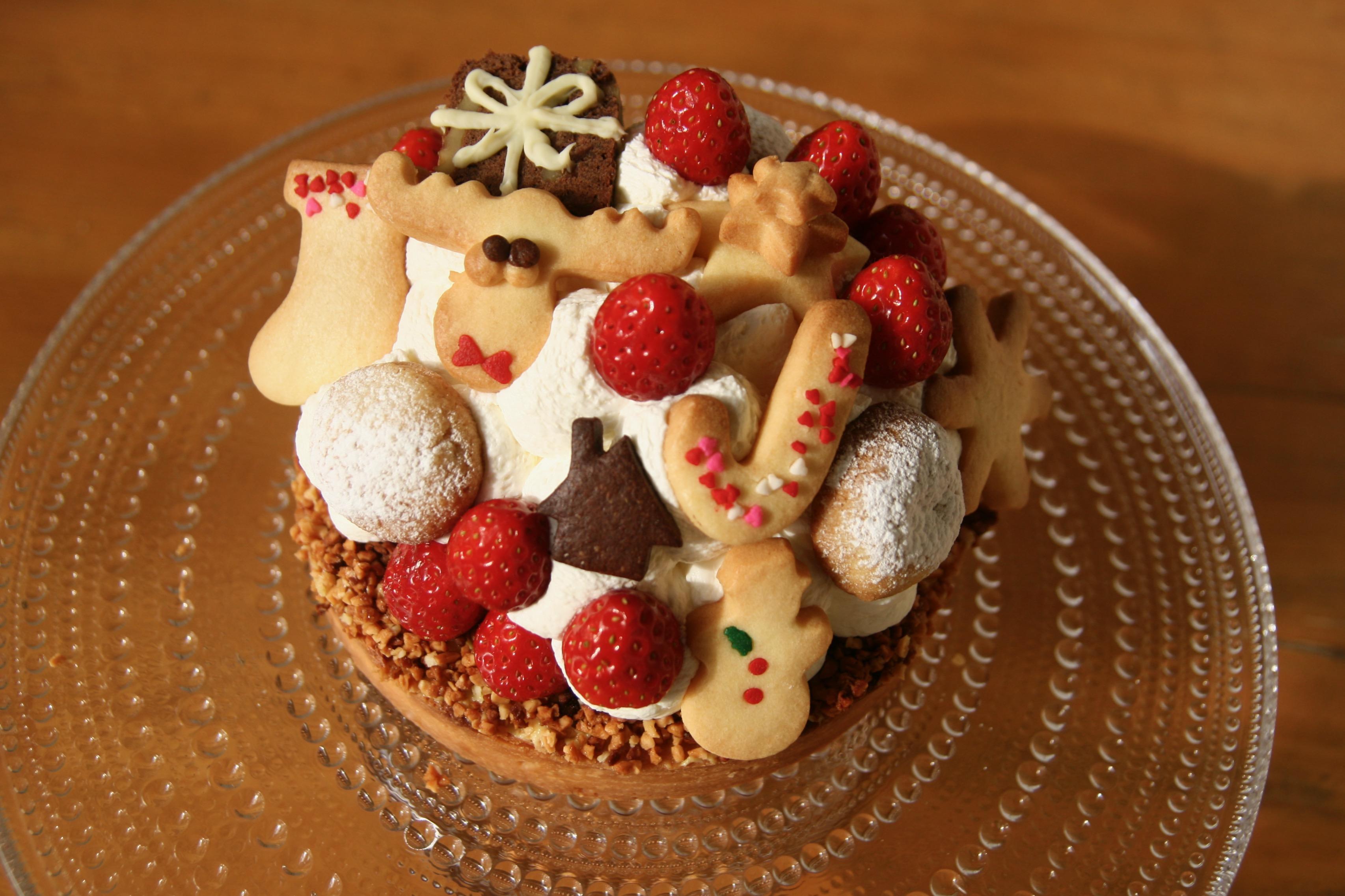 クリスマスケーキとオーダーメイド のケーキ